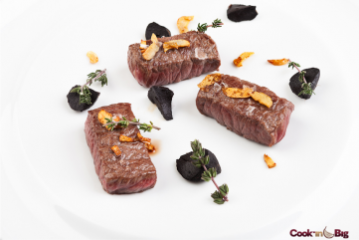 LOMO DE WAGYU CON AJO BIG GARLIC